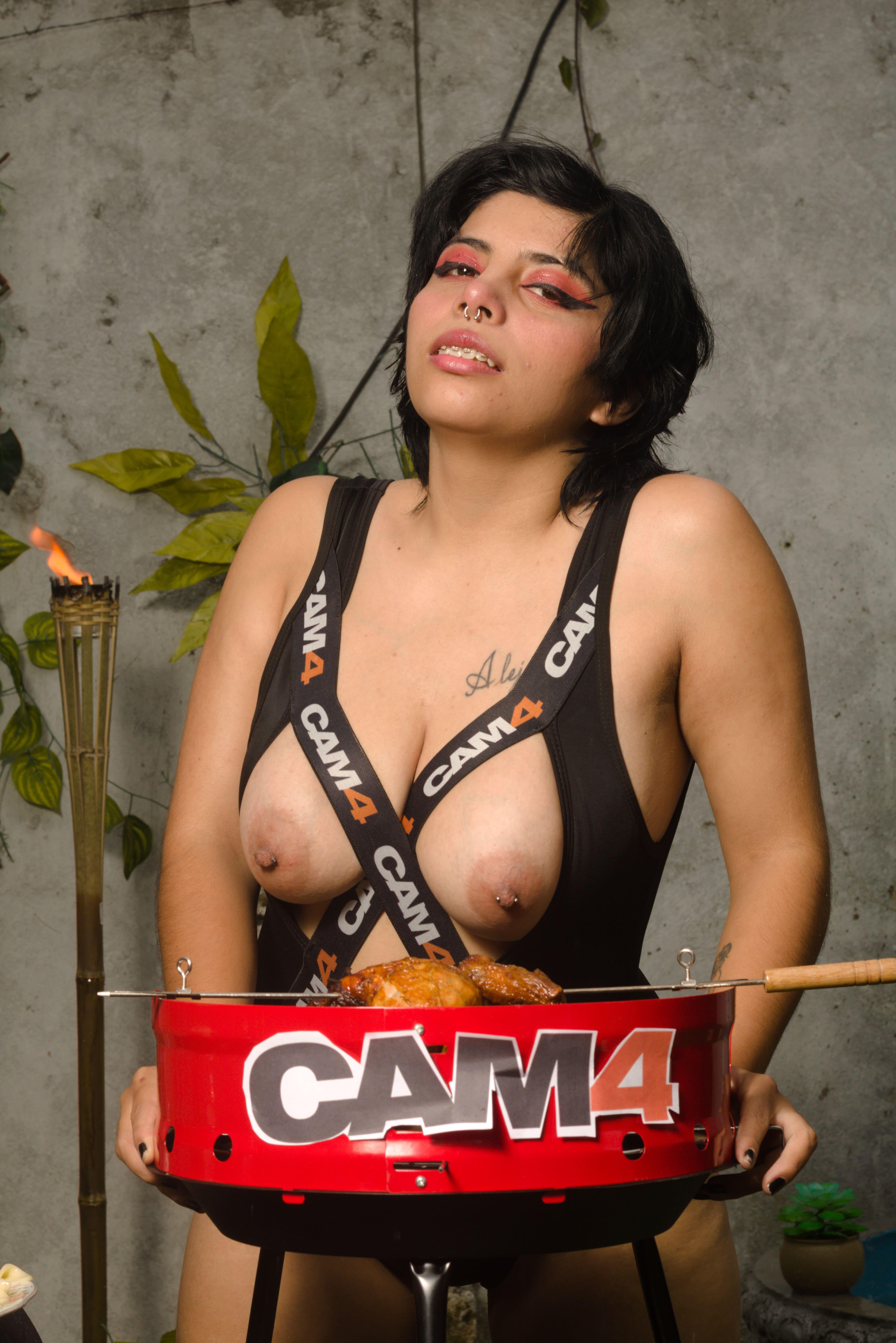 Emmilysantos live cam on Cam4.com