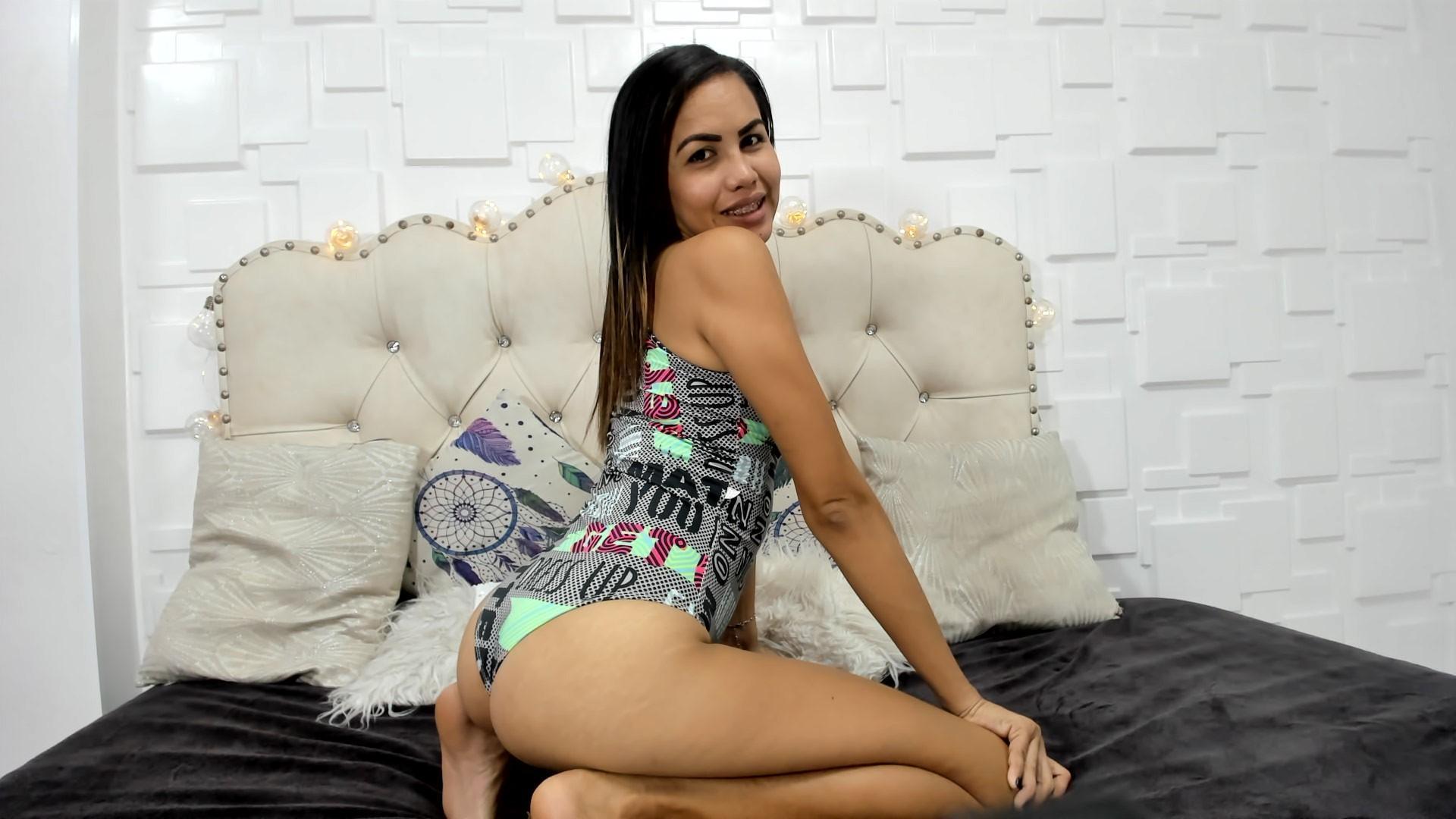 Nicole_Pretty live cam on Cam4.com