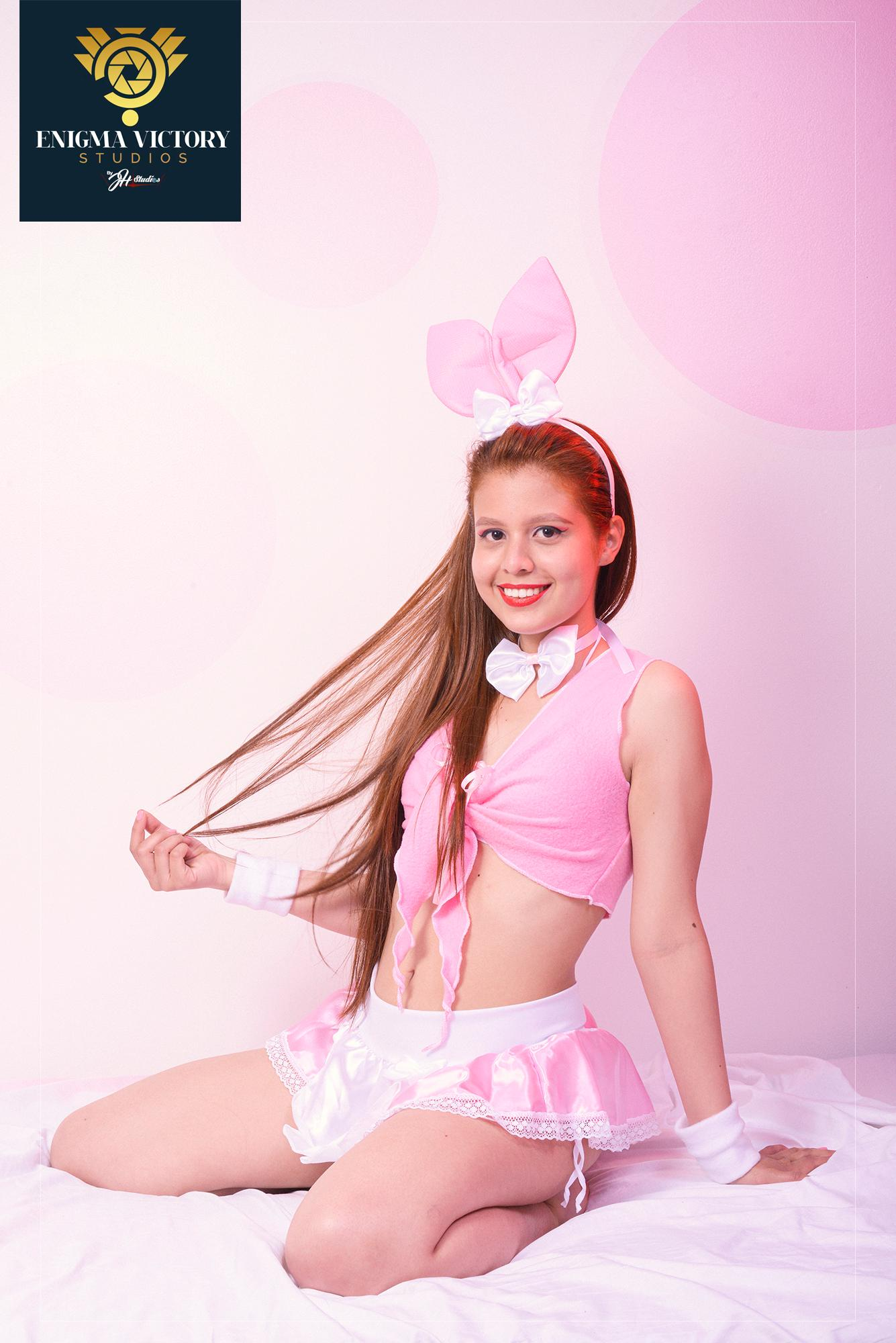 Cutie emily ?s=fwrladtjlljiecq8g5hkwo2h8kn88c4t+jrnelw1bew=