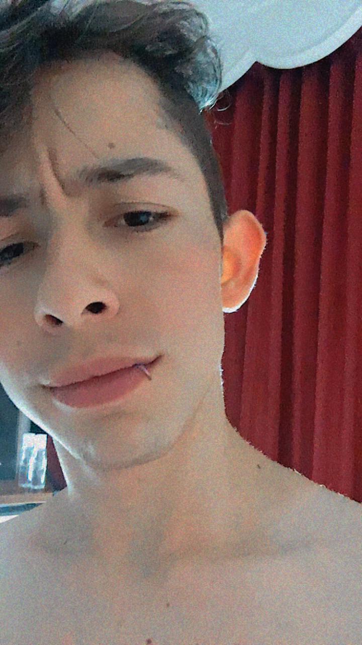 Adriano_rs_ live cam on Cam4.com