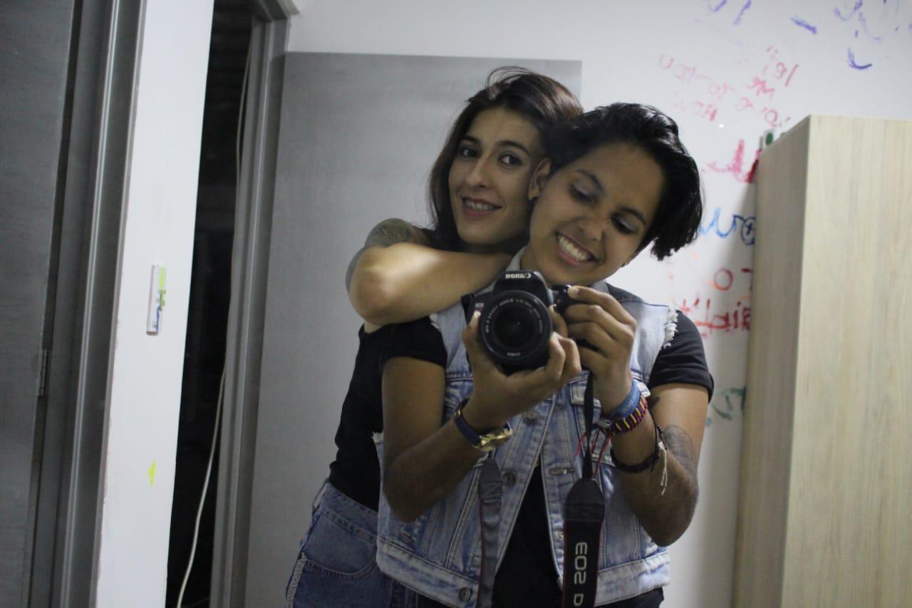 SaraAndYuli live cam on Cam4.com