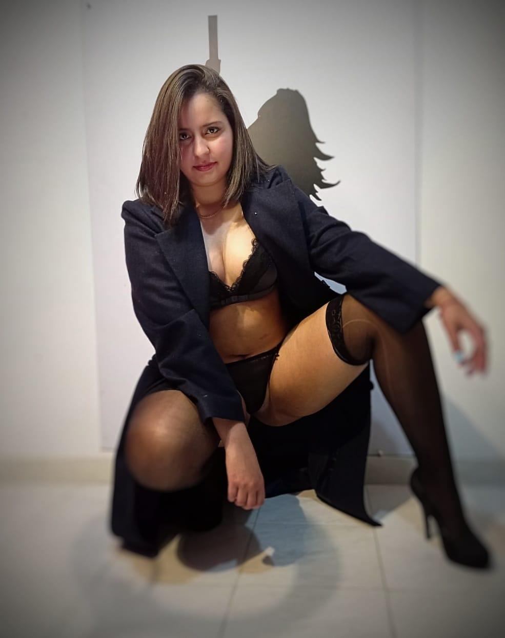 goddesstephanie live cam on Cam4.com
