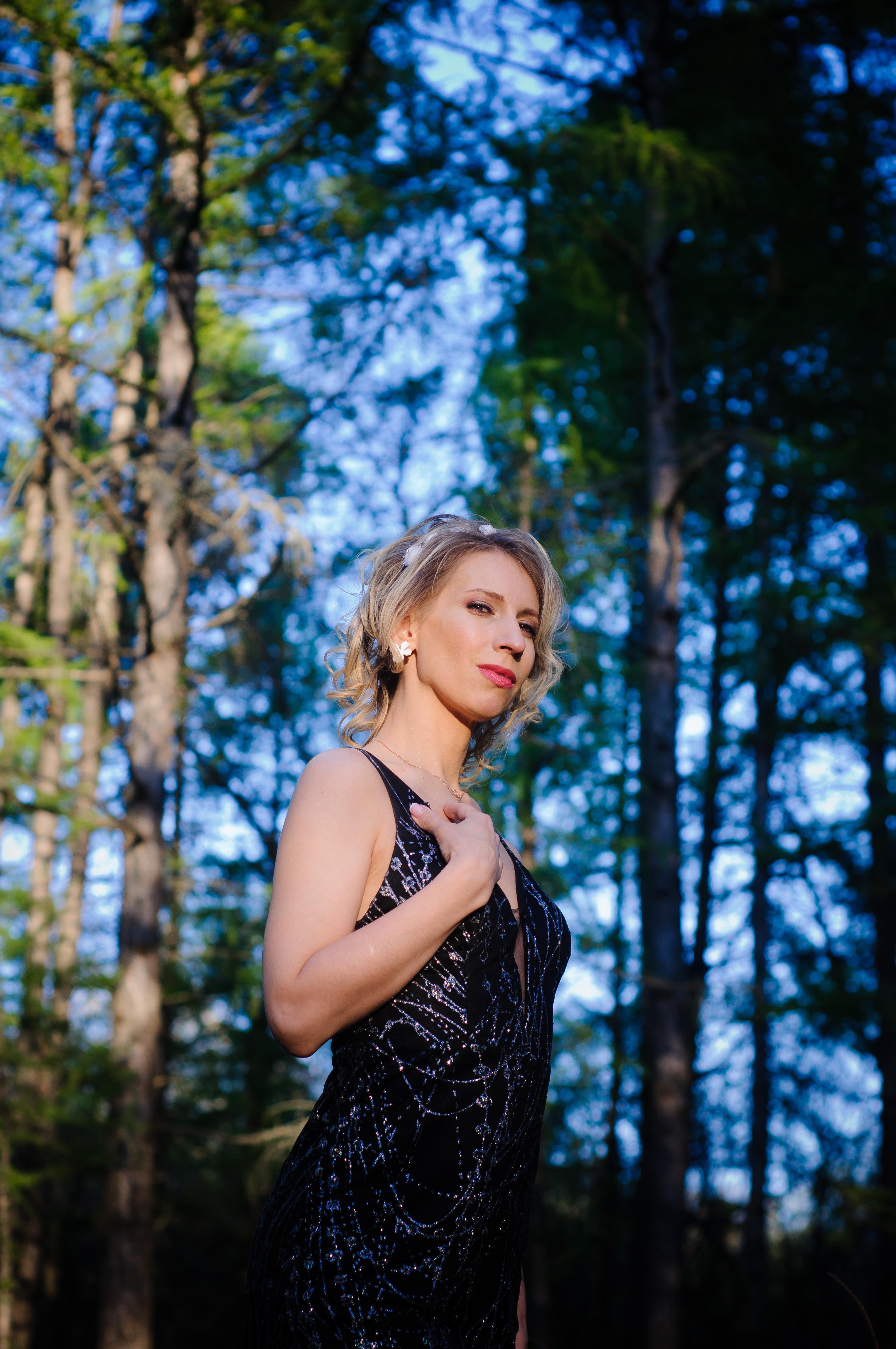 AdrianaDesire live cam on Cam4.com