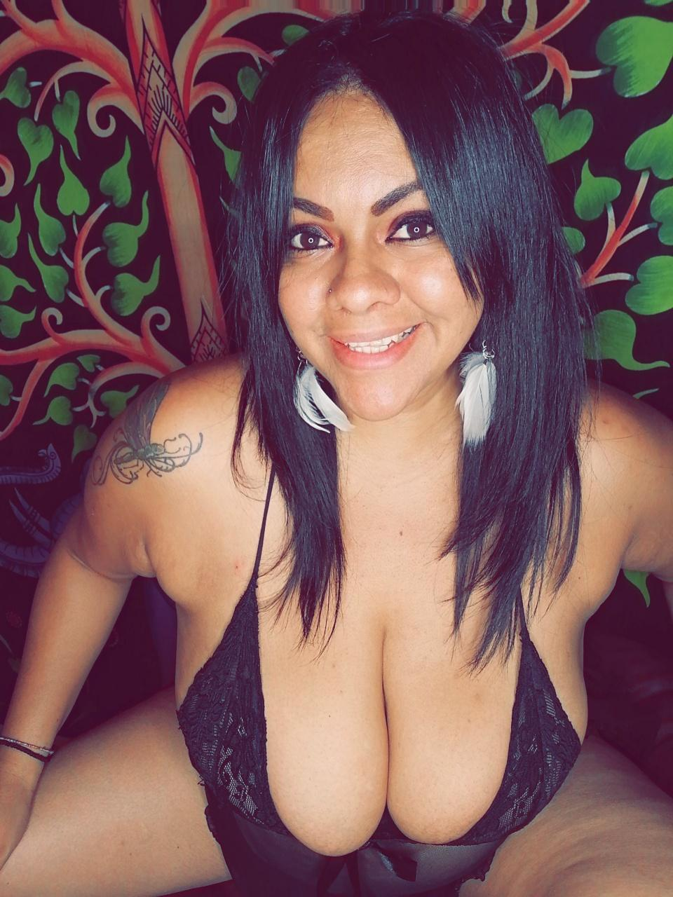 Gabriela_Sanint live cam on Cam4.com