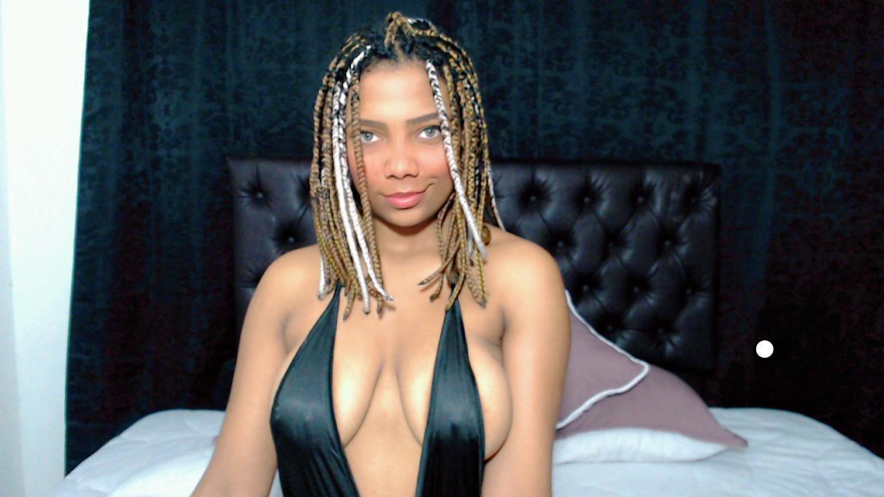 samyruiz00 live cam on Cam4.com
