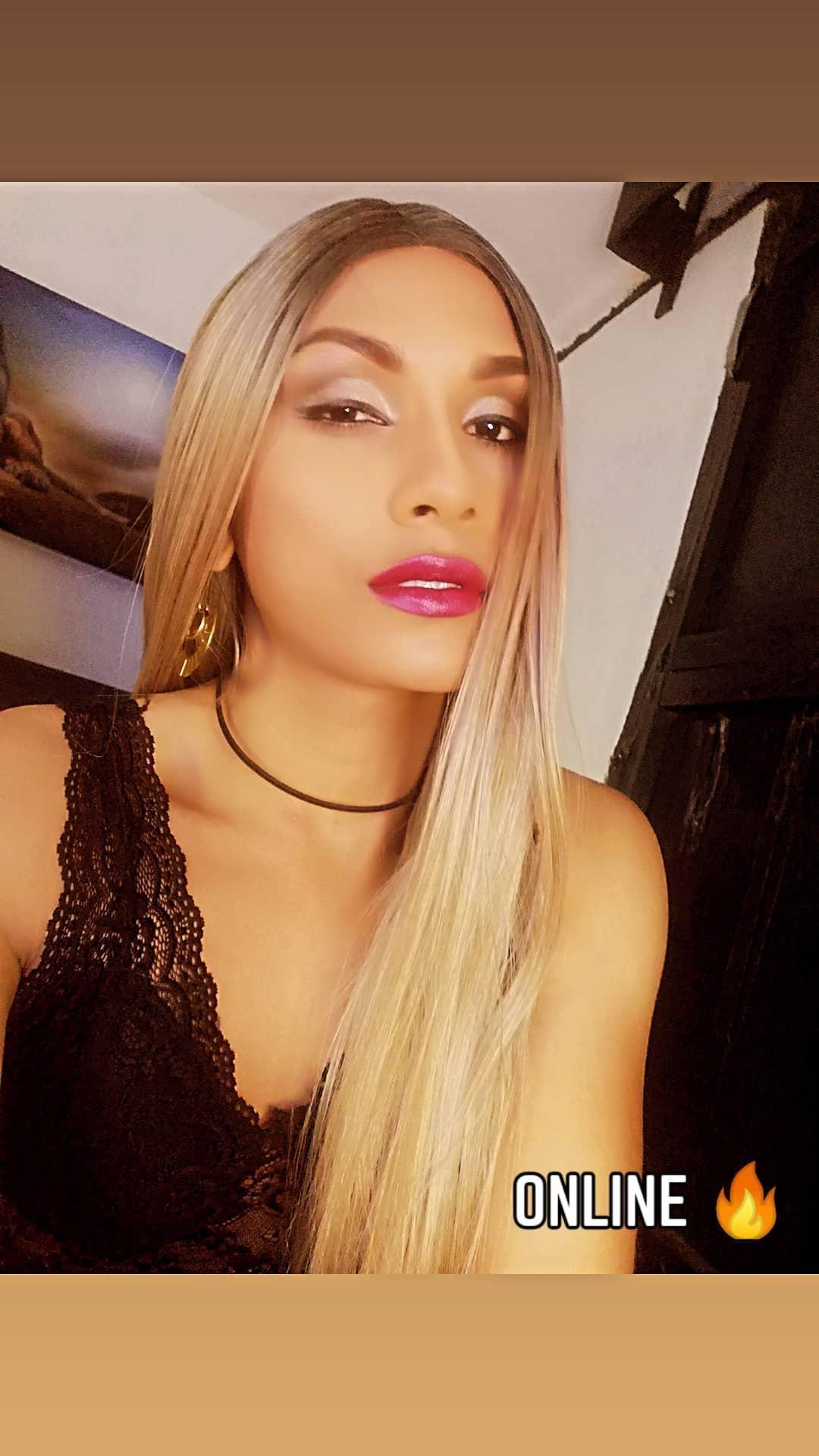 Xsophia_dukeX live cam on Cam4.com