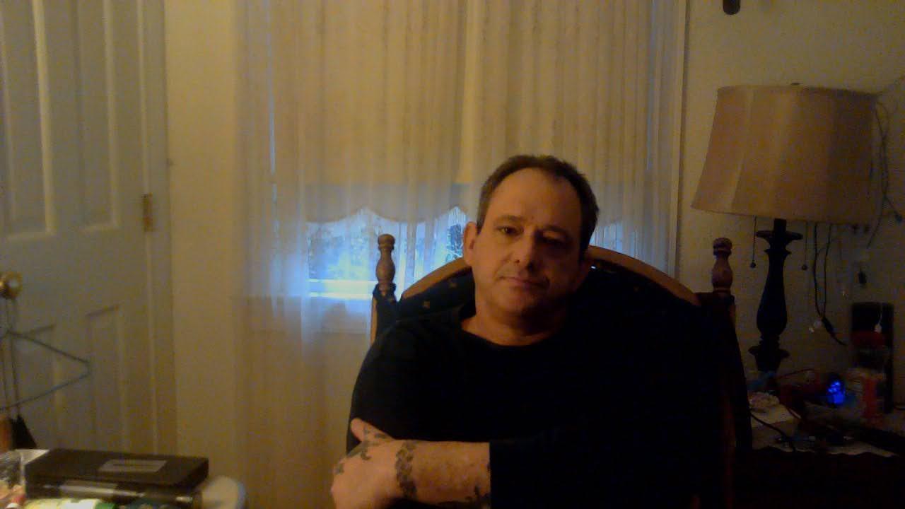 Easytimemeet live cam on Cam4.com