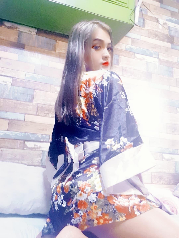 luna_blanca live cam on Cam4.com