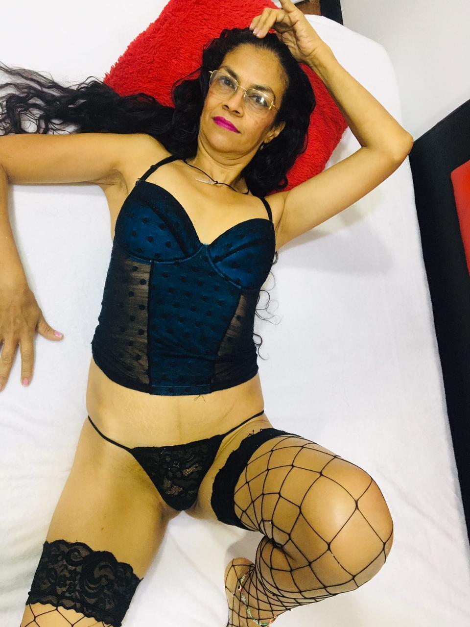 Maya black1?s=g6ay51bmgdh8vx5lk1yy9pvxws0slj7rfdbqq+2bobm=
