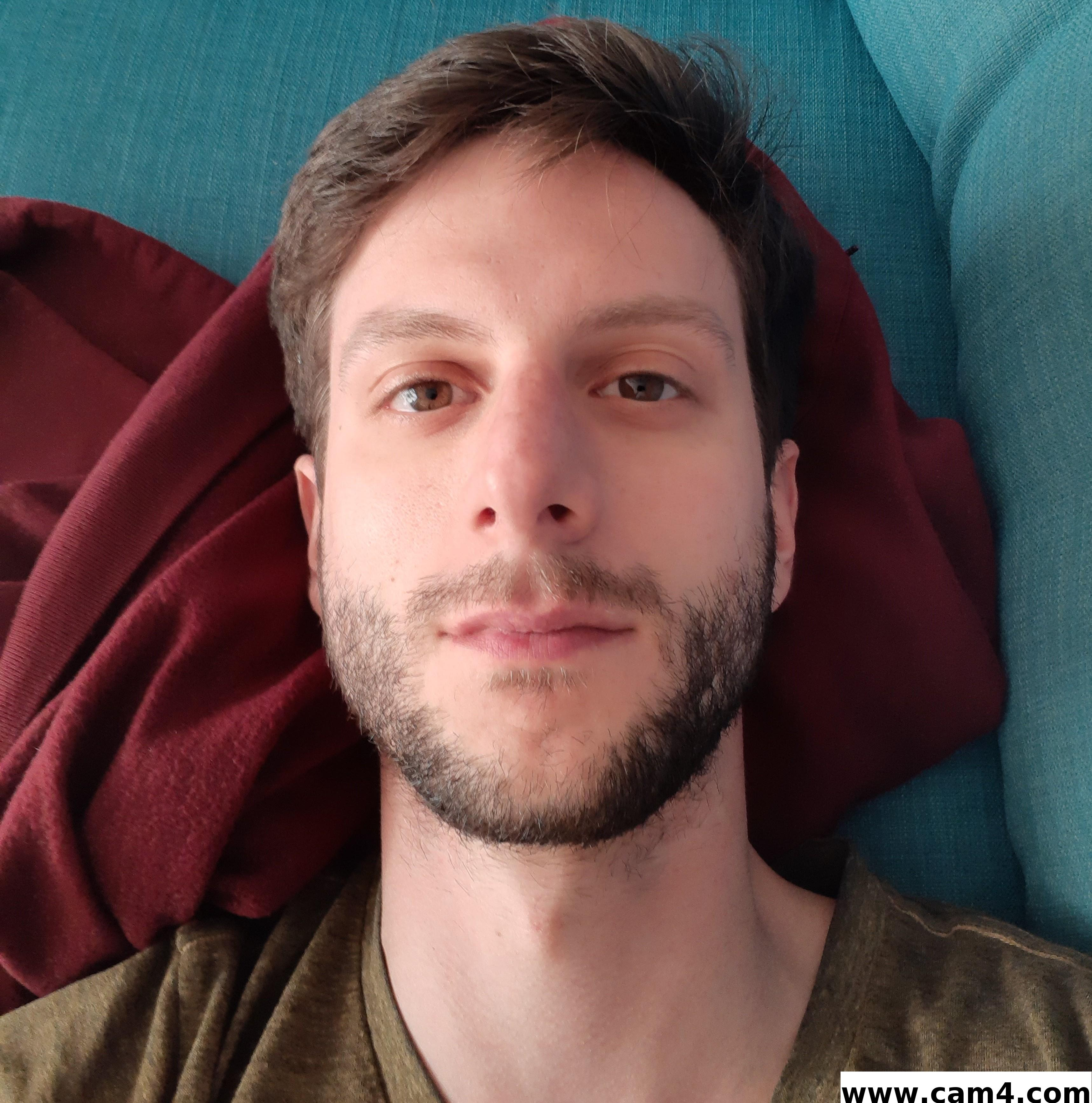 randomnewuse live cam on Cam4.com