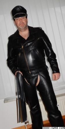 Leather top?s=squuom9bhrek7u2egvahnxziahbnucvzqbw45wrs2jk=