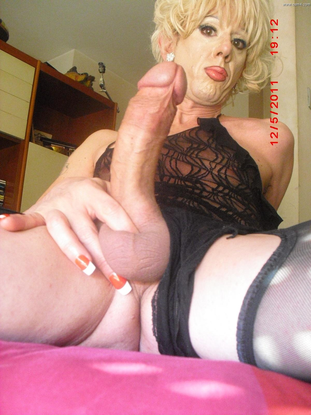Mature Transvestite /transexual Taking Of His Dress And Showing And Playing